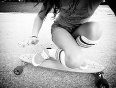 Classic Surf Skate Style.  Photo by Kanaszta | #longboard, longboard girl, surf skate