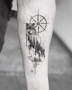 ▷ 1001 + ideas for a beautiful and meaningful compass tattoo - wolf tattoos - . - ▷ 1001 + ideas for a beautiful and meaningful compass tattoo – wolf tattoos – - Wolf Tattoo Design, Compass Tattoo Design, Wolf Design, Compass Tattoo Meaning, Tattoos With Meaning, Wolf Tattoo Meaning, Body Art Tattoos, Sleeve Tattoos, Heart Tattoos