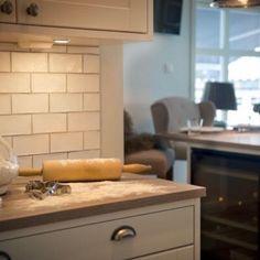 Sentrum Bygg AS (@sentrumbygg) • Instagram-bilder og -videoer Bathroom Vanity, Vanity