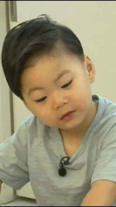Thương Manse Song Il Gook, Superman Kids, Song Daehan, Song Triplets, Cute Kids, Baby Kids, Twins, Tv Shows, Handsome