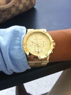 745fddbc459 Watches · gold watch Repin   Follow my pins for a FOLLOWBACK! Caixa De  Joias