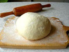 Быстрое тесто для пиццы незаменимо, когда для готовки нет времени. Находкой станет простое тесто для пиццы. Его эластичность позволит сделать корж очень тонким. А пицца на тонком тесте, как известно, эталон высокого качества. Ловите и вкушайте наш рецепт теста для пиццы.   Здоровье с HeadInsider