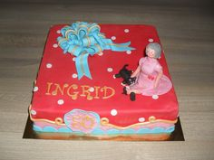 Sara taart 50 jaar. strik, stippen, kat, Oilily/ cake with dots, a bow and a cat.