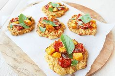 Make these delicious mini cauliflower pizzas for your next dinner party, happy guests guaranteed! Quick, easy and healthy, you'll be coming back for more! Cauliflower Pizza Healthy, Veggie Recipes, Whole Food Recipes, Clean Eating, Healthy Eating, Low Carb Pizza, Veggies, Vegetarian, Snacks