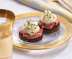 Horseradish Mousse topped Beef Canapés with Tre Stelle® Mascarpone #appetizer #recipe #mascarpone