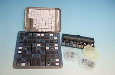 Sudoku. Distinction entre chiffres de la grille de départ et chiffres placés, rangement pratique par chiffres.