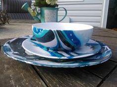 Handgeschilderde schotel Set [Blue and Black] door MiddysMagicalBurrow op Etsy https://www.etsy.com/nl/listing/271531578/handgeschilderde-schotel-set-blue-and