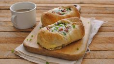 Delicious eggs baked into crusty French bread boats. A new brunchtime favorite!