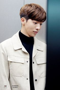 K-pop Hairstyle Ideas for Men and Women In 2020 Korean Hairstyles Kpop Kpop Two Block Haircut 2018 Of 94 Inspirational K-pop Hairstyle Ideas for Men and Women In 2020 Kpop Hairstyle Male, Korean Boy Hairstyle, Korean Haircut, Elegant Hairstyles, Hairstyles With Bangs, Asian Hairstyles, Hairstyles Men, Retro Hairstyles, Korean Hairstyles For Men