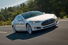 Tesla car Elettrica - Model S on the Road