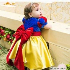 Cute Snow White Flower Girl Dress 2018 Princess Kids Pageant Ball Gowns with Bow Lovely Short Sleeves Girls Birthday Party Dresses Fast Shipping