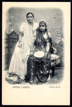 Hindu Ladies Post Card - British India Early 1900's - Old Indian Photos