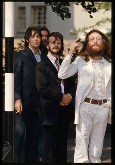 Beatles' Abbey Road cover photo shoot 8/8/69.
