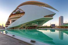 413 vind-ik-leuks, 1 reacties - Eric Criswell - Travel Photos (@ecriswell) op Instagram: 'El Palau de les Arts Reina Sofia is the Valencia Arts and Sciences opera house and performing arts…'