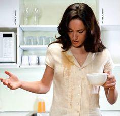 Como tirar manchas de café da roupa