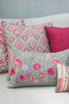 GULZAR Bold geometric prints and floral blooms from Uzbekistan inspire this collection of printed and embroidered cushions in natural linen and textured silk. Cushion Embroidery, Embroidered Cushions, Printed Cushions, Floral Cushions, Indian Home Decor, Diy Home Decor, Cushion Covers, Pillow Covers, Cushion Cover Designs