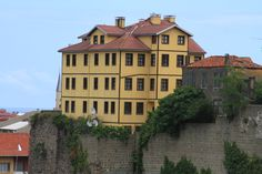 Trabzon , Turkey Trabzon Turkey, Multi Story Building, Mansions, House Styles, Home, Turkey, Mansion Houses, House, Villas