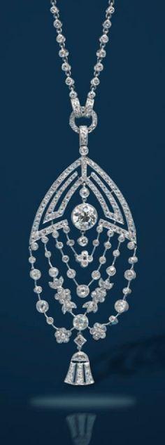 An Art Deco diamond pendant with diamond necklace #diamondnecklaces #diamondpendantnecklace