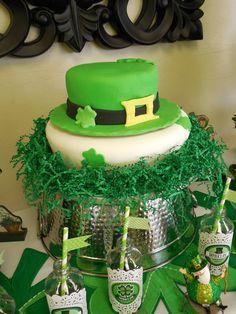 Cake at a St. Patrick's Day Party #stpatricks #partycake