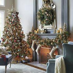 Weihnachtskränze, Weihnachtliches Zuhause, Weihnachtsdekoration, Weihnachten  Kaminsims, Weihnachtsideen, Glaskugeln, Urlaub Dekorieren, Schnee,  Weihnachten
