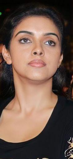Beautiful Bollywood Actress, Beautiful Indian Actress, Beauty Full Girl, Beauty Women, Beautiful Eyes, Gorgeous Women, Curvy Quotes, Anushka Pics, Indian Heroine Photo