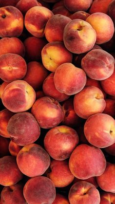 Fruit wallpaper Juicy wallpaper for your iPhone XS Max from Everpix Peach Wallpaper, Food Wallpaper, Fashion Wallpaper, Orange Aesthetic, Aesthetic Food, Peach Fruit, Fresh Fruit, Aesthetic Iphone Wallpaper, Aesthetic Wallpapers