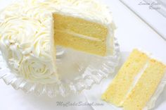 The BEST Lemon Cake Recipe from Scratch! So moist and delicious! Includes recipe for lemon curd filling and lemon cream cheese frosting. Lemon Desserts, Lemon Recipes, Sweet Recipes, Delicious Desserts, Lemon Aid Recipe, Light Lemon Cake Recipe, Irish Recipes, Lemon Cake From Scratch, Cake Recipes From Scratch
