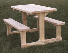 Pallet Outdoor Furniture Amish Handcrafted Child's Picnic Table - Cedar or Pine - Toddler Picnic Table, Diy Picnic Table, Outdoor Picnic Tables, Diy Table, Kids Picnic Table Plans, Outdoor Dining, Picnic Cafe, Picnic Ideas, Used Outdoor Furniture