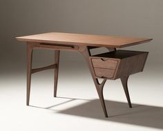 Creer Desk – OUT OF STOCK