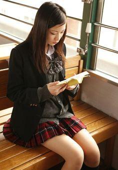 "japaneseuniform: "" ↪ CLICK HERE TO SEE JAPANESE SCHOOL UNIFORMS ↩ """
