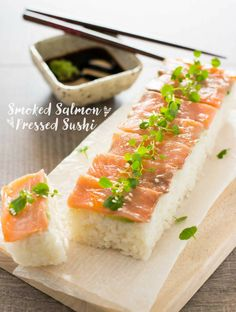 Pressed Sushi with Smoked Salmon. Smoked salmon pressed sushi is easy delicious and quick to make sushi. It does not require rolling mats or rolling skills. Sushi Recipes, Seafood Recipes, Asian Recipes, Cooking Recipes, Top Recipes, Seafood Dishes, Cooking Tips, Bento, Gluten Free Appetizers