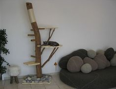 Pets, Home & Garden: Ideal toys for small cats Diy Cat Tree, Cat Trees, Cat Stairs, Cat Gym, Wood Cat, Ideal Toys, Cat Shelves, Animal Room, Curious Cat