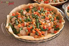 Easy Chicken Pot Pie. Looks simple and delicious.