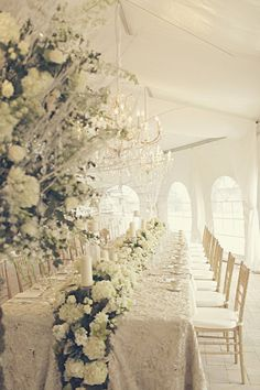 清楚で美しい 結婚式・ウエディングの会場コーディネート一例