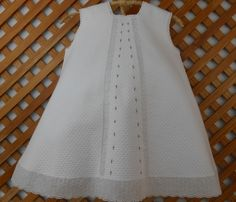 Com - Diy Crafts New Baby Dress, Baby Girl Dresses, Girl Outfits, Sewing Baby Clothes, Baby Sewing, Babies Clothes, Toddler Dress Patterns, Baby Dress Design, Embroidered Clothes