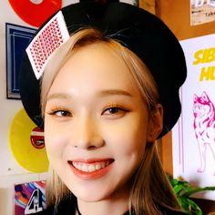 Jung So Min, Kim Min, Kpop Girl Groups, Kpop Girls, Meme Stickers, Cute Korean Girl, Bts And Exo, Beautiful Wife, Kpop Aesthetic