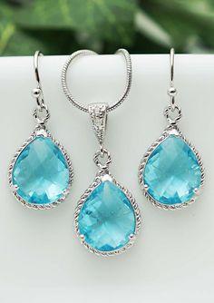 Aquamarine Glass Rhodium Trimmed Pear Cut Bridesmaid gift Bridesmaid Earrings, Bridesmaid Gifts, Bride Accessories, Hair Jewelry, Bridal Jewelry, Jewelry Box, Jewelry Necklaces, Jewelery, Dream Wedding Dresses