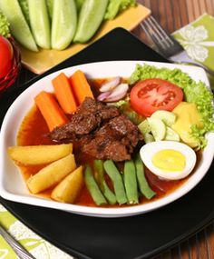 Selat Solo, Beefsteak and Salad, Central Java, Indonesian Food Malay Food, Indonesian Cuisine, Western Food, Eastern Cuisine, Malaysian Food, Beef Steak, Asian, Food Photo, Healthy Snacks