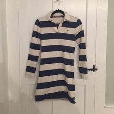 ❤️LIMITED TIME SALE ❤️ Vineyard vines dress Polo dress. Size XS. Blue and white ; super cute! Vineyard Vines Dresses Mini