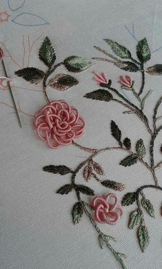 Hand Embroidery Patterns Embroidery Stitches Brazilian Embroidery 3 Needlework Elsa Ribbons Types Of Embroidery Dressmaking Bullion Embroidery, Hand Embroidery Videos, Hand Embroidery Tutorial, Hand Embroidery Flowers, Simple Embroidery, Hand Embroidery Stitches, Silk Ribbon Embroidery, Floral Embroidery Patterns, Hand Embroidery Designs