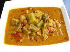 Vendakkai Puli Kulambu / Ladies Finger in Tamarind gravy