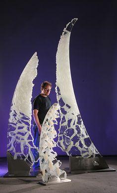 "David Ruth & Lightmarker group (Tabueran, Pinaki, & Teraina) / glass & stainless steel / ( Tabueran: 91"" x 26"" x 15""/ Teraina: 120"" x 36"" x 24"" ) / 2004, 2004, 2005"