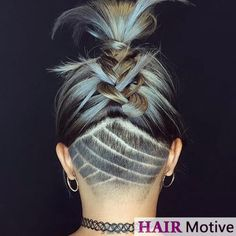 60 Chic & Edgy Undercut Design-Ideen You can find Undercut designs and more on our Chic & Edgy Undercut Design-Ideen Undercut Long Hair, Undercut Women, Undercut Pixie, Undercut Girl, Female Undercut, Short Thin Hair, Long Curly Hair, Curly Hair Styles, Short Blonde