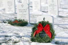 #Wreaths for #Veterans. Did you know the National #WreathsAcrossAmerica Day is Dec. 14? All 50 states participate! #snow