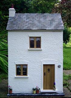 Julie's dolls house blog: 1/12th Scale 'Railway Cottage'