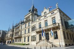 The Grand-Ducal Palace in Luxembourg city is one of the main attractions in Luxembourg and can be visited during summer on a guided tour. Le Luxembourg, Walking City, Medieval Castle, Day Trip, Vacation Trips, Fairy Tales, Travel Destinations, Tourism, Places To Visit