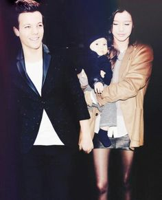 THEY SERIOUSLY LOOK LIKE THAT PERFECT FAMILY YOU SEE IN MAGAZINES AND MOVIES W O W