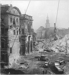 Eva Kemlein, Sprengung des Berliner Schlosses, 1950 (Demolition of the Berlin Castle)