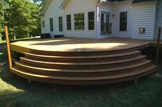 Výsledek obrázku pro step down to deck from house Cool Deck, Diy Deck, Deck Building Plans, Pergola, Patio Deck Designs, Deck Steps, Decks And Porches, Outdoor Living, Outdoor Decor