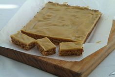 Oaty Ginger Crunch. Looks great for teatime or coffee break! Uses dried powdered ginger and golden sugar syrup.